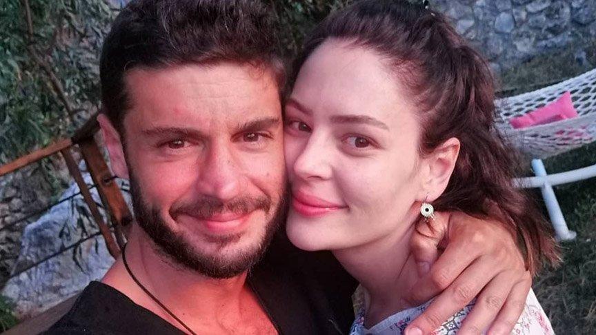 Berk Oktay, sevgilisi Yıldız Çağrı Atiksoy'a evlilik teklifi etti