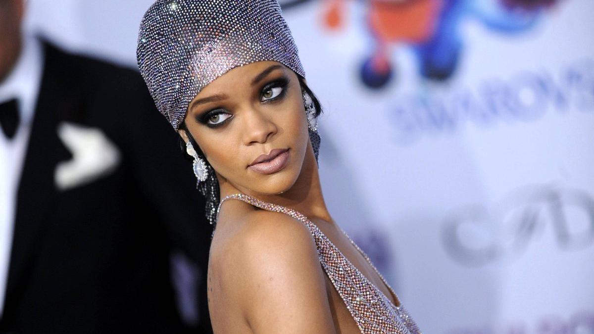 Rihanna: Neden bu meseleyi konuşmuyoruz