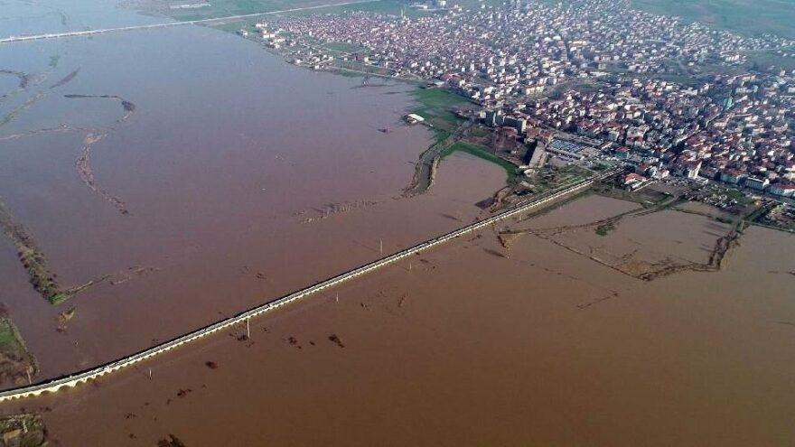 Taşan Ergene Nehri'nde, 'kırmızı alarm'