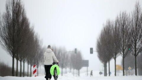 Avrupa'da kar hayatı felç etti