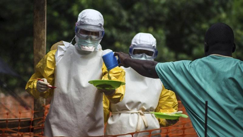 Corona yayılmaya devam ederken bir ülkede Ebola alarmı verildi