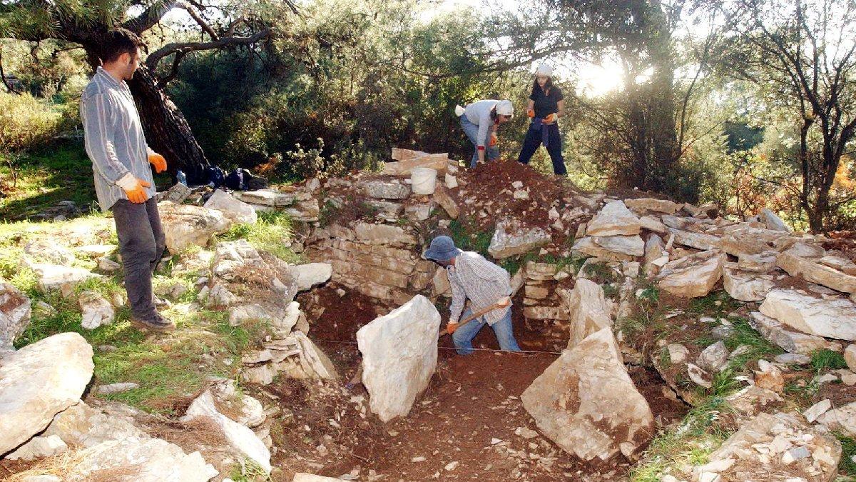3 bin 500 yıllık antik kenti talan ettiler, kazı başkanı isyan etti