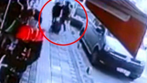 16 yaşındaki kızını boğazından bıçakladı