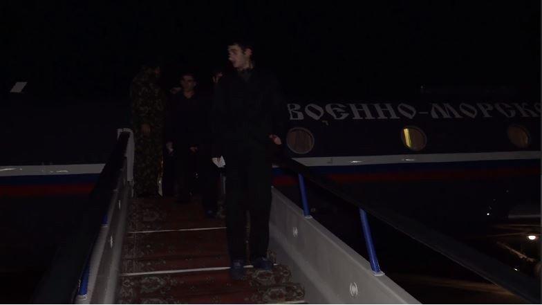 Azerbaycan ve Ermenistan arasındaki esir takası görüntüleri yayınlandı