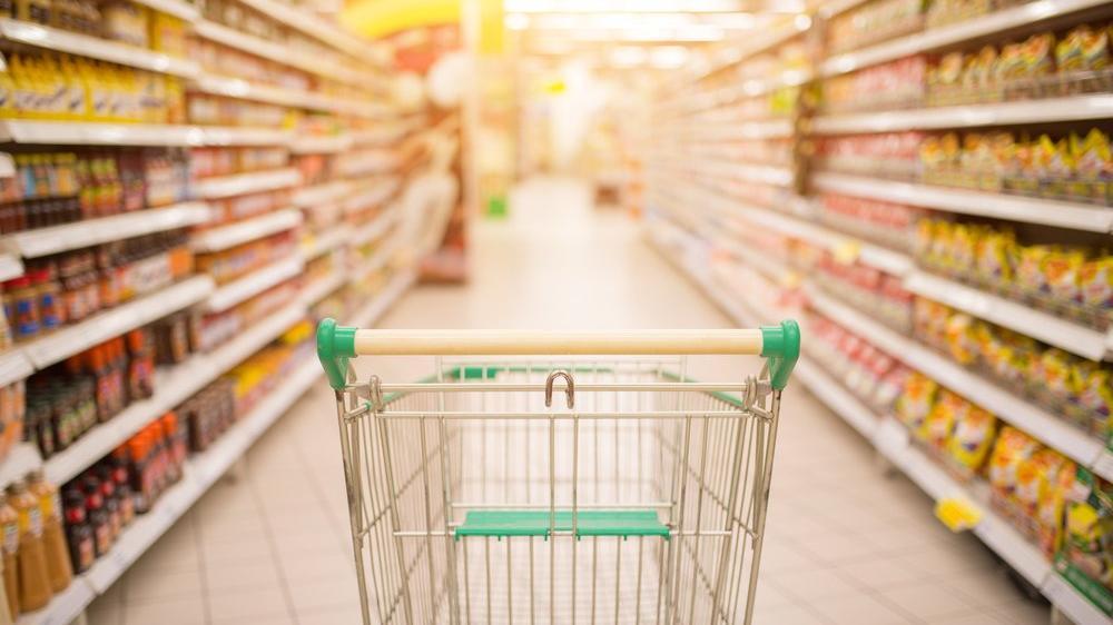 Marketlere sigara, mobilya ve elektronik eşya sınırlaması