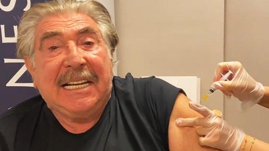 Erdal Özyağcılar corona aşısı oldu