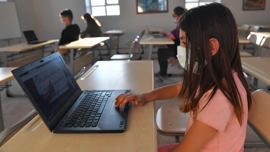 1 çocuk, 1 bilgisayar kampanyası ÇYDD ile daha da büyüdü