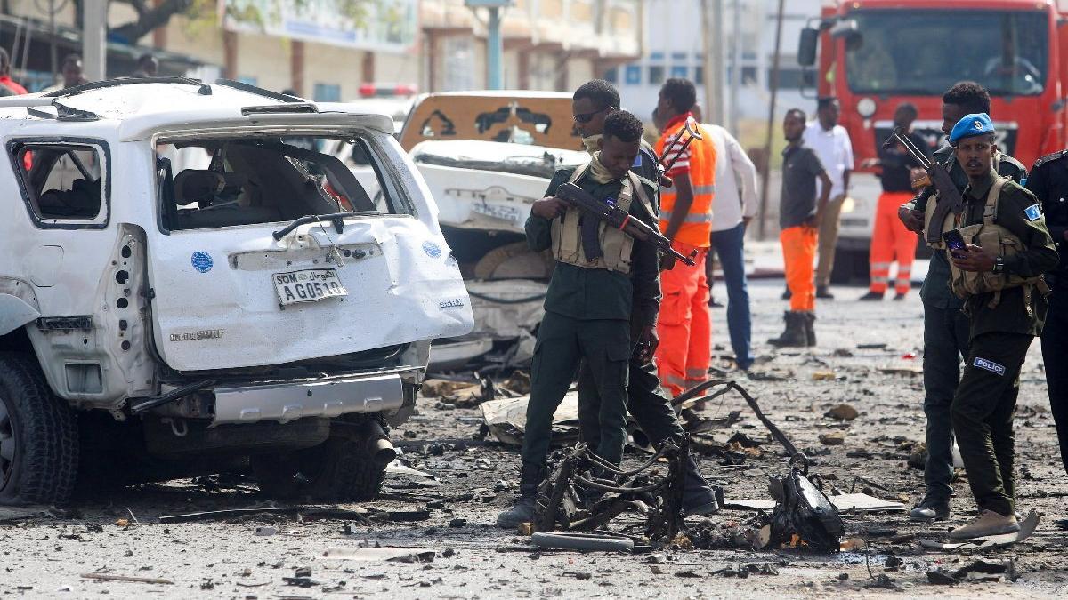 Somali'de parlamento binası önünde patlama