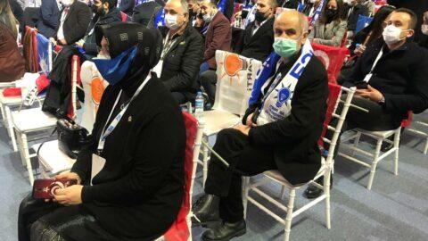 AKP kongresinde Türk bayrağına saygısızlık