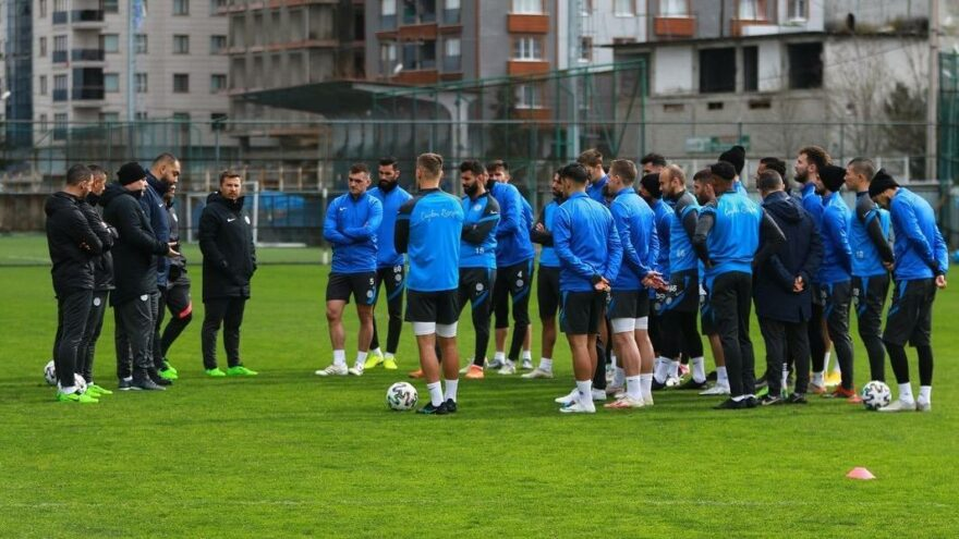 Çaykur Rizespor'da Sumudica'dan oyunculara uyarı