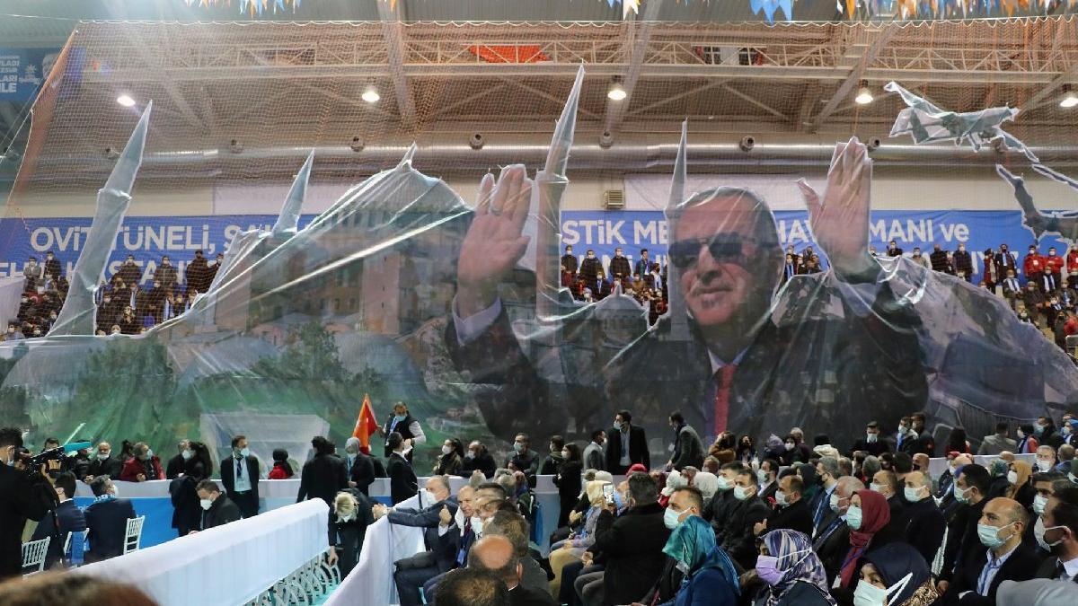 Erdoğan'a 'lebaleb' tepkisi: Doktorlar boşuna uğraşıyor