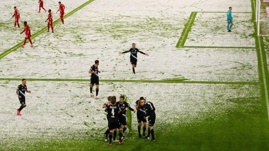Allianz Arena karla kaplandı 15 dakikada kusursuz hale getirdiler!