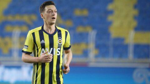 Mesut Özil bir ilke imza attı... Rekor gelir