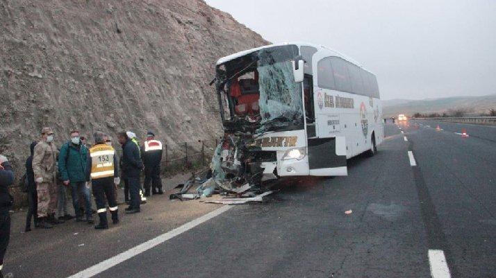 Şanlıurfa'da feci kaza: 3 ölü, çok sayıda yaralı