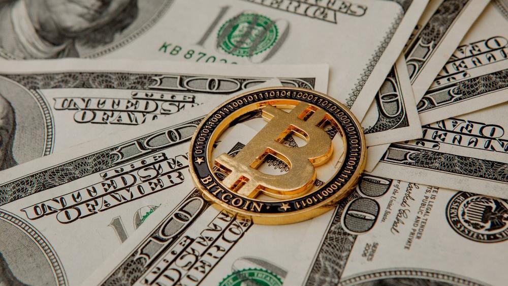 Bitcoin dolar için tehdit mi? Yetkili isim açıkladı...