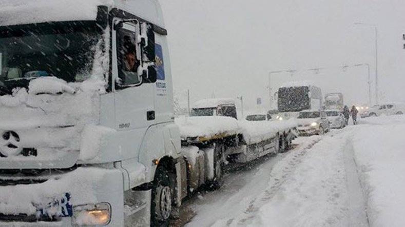 Rusya-Gürcistan sınırında Türk şoförler mahsur kaldı