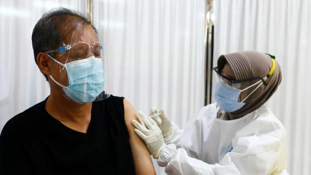Dünya bu kararı konuşuyor: Endonezya'da aşı olmayana ceza - Sağlık son  dakika haberler