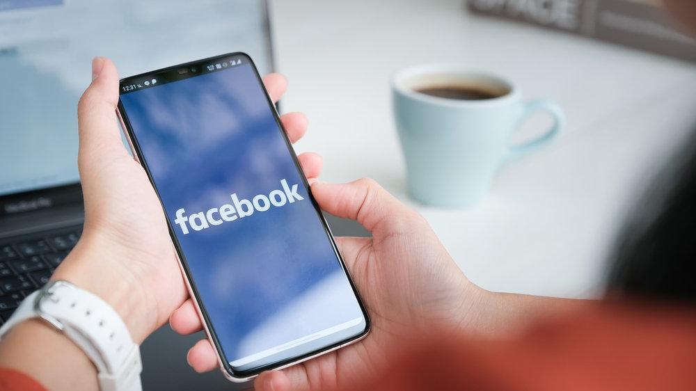 Facebook'a 'okul kabadayısı' tepkisi