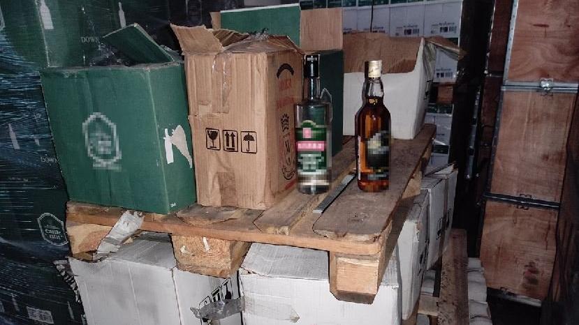 Bandroller gerçek, içkiler sahte