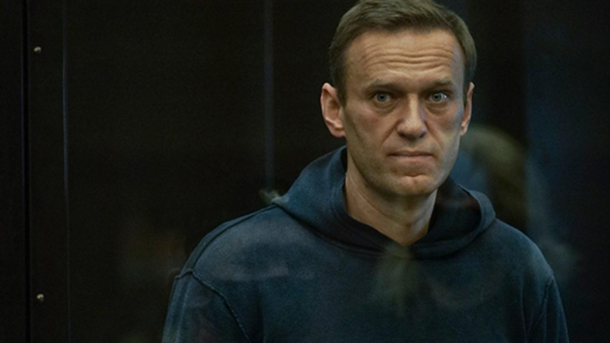 Batı yakından takip etti... Navalny 2 ayrı davadan ceza aldı