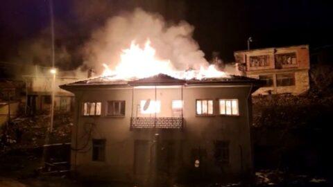 Mutfakta başlayan yangın evi küle döndürdü