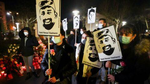 Almanya'da Naziler çıldırdı: Gamalı haç ve hakaret