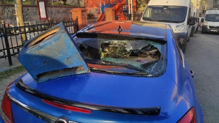 Para alamayınca dayısının otomobilini parçaladı