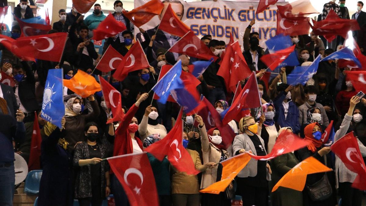 AKP kongrelerinin yapıldığı illerdeki vaka sayılarında artış yaşandı