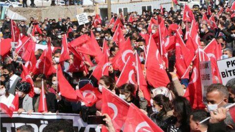 Şırnak'ta, Gara şehitleri için 'teröre lanet' yürüyüşü