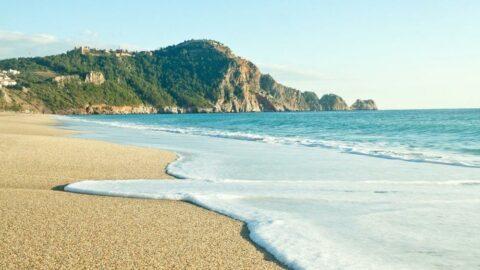 Dünyanın en gözde plajları açıklandı: Türkiye'den tek nokta Kleopatra Plajı