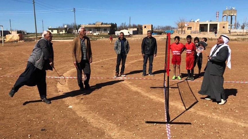 Mardinli köylülerin badminton sevgisi