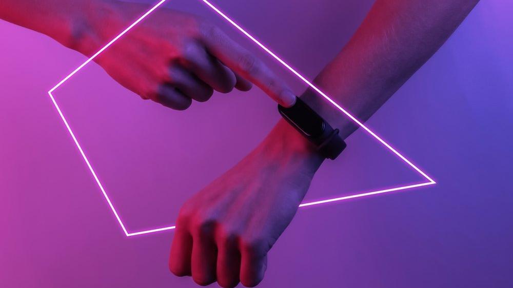 Matrix tarzı bileklikler insanların enerjisinden şarj olacak