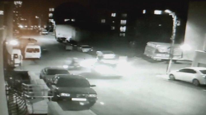 İstanbul'da feci kaza: İki araç arasında kaldı