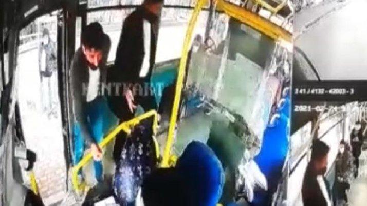 Otobüste 'HES kodu' kavgası: Şoförü darp ettiler
