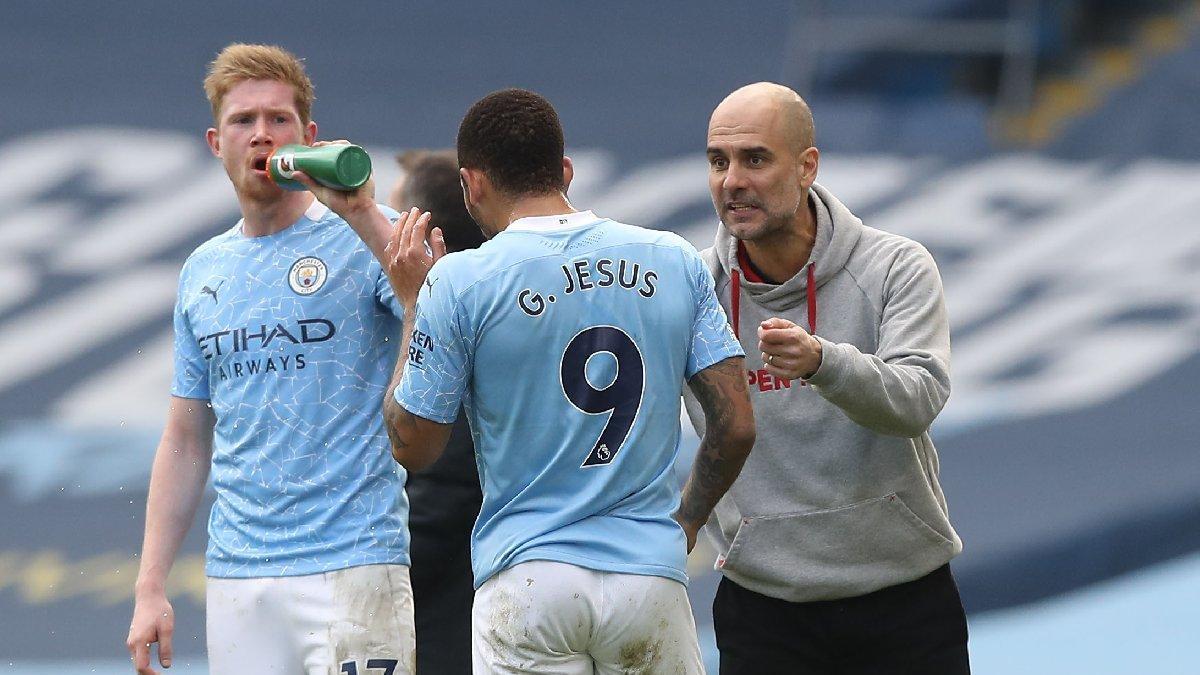 Manchester City buldozer gibi! Pep Guardiola tarihe geçti