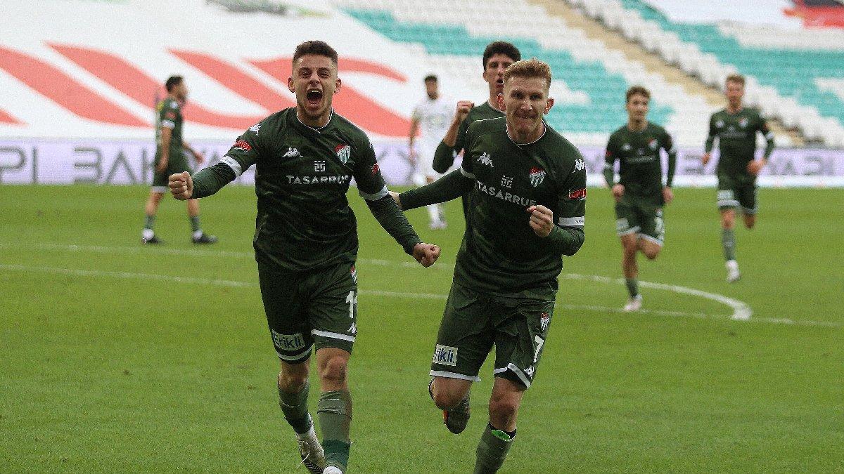 Bursaspor 2-0'dan geri döndü, Akhisar'ı dağıttı