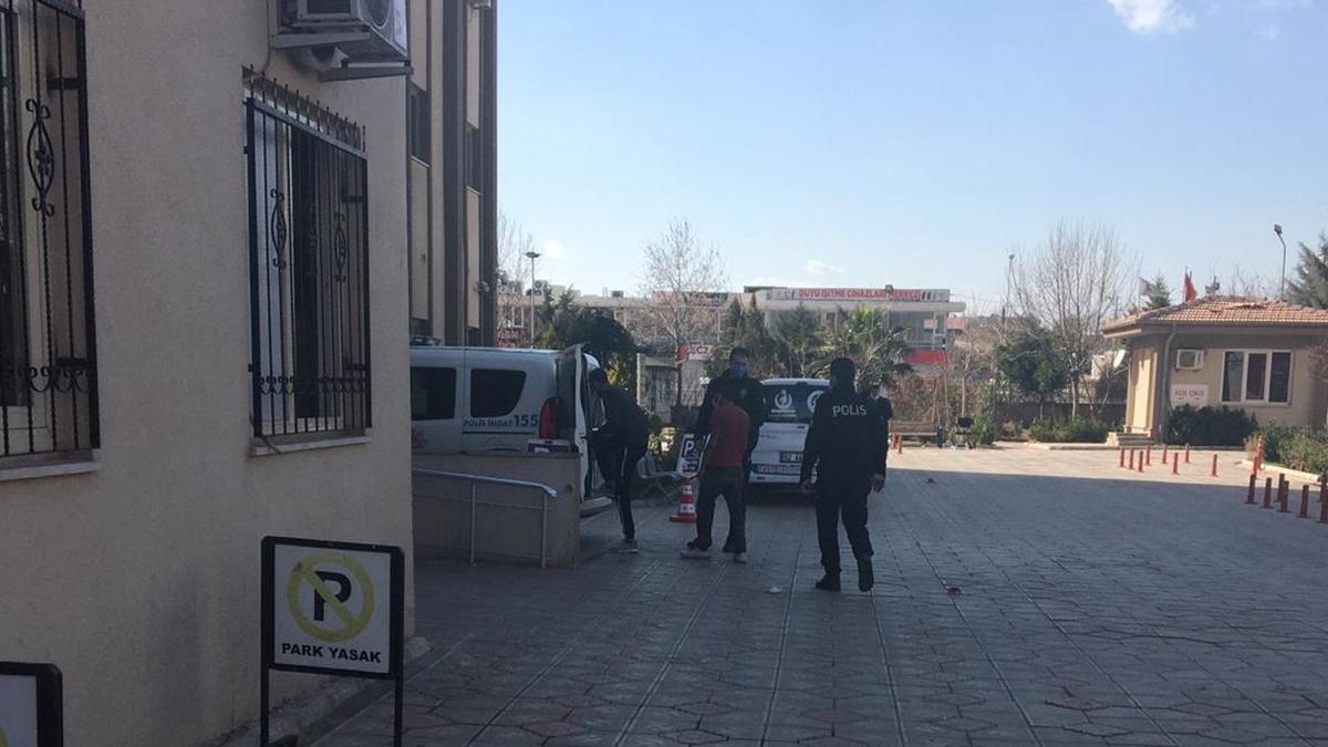 Suriyeli inşaat işçileri bir birine girdi! Yaralılar var