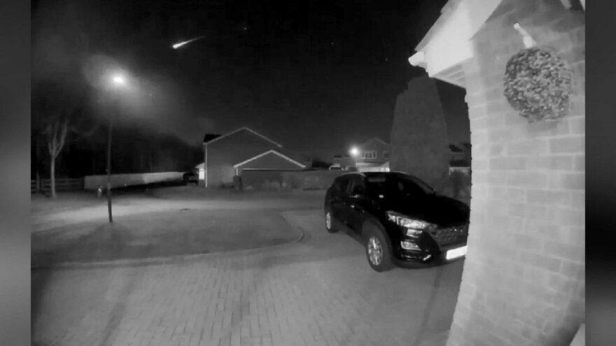Meteorun düşme anı kameralara yansıdı