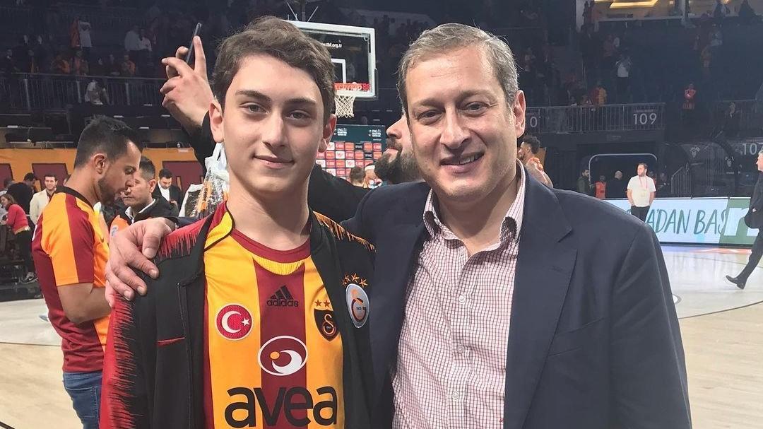 Galatasaray'ın başkan adayı Burak Elmas ekibini tanıttı