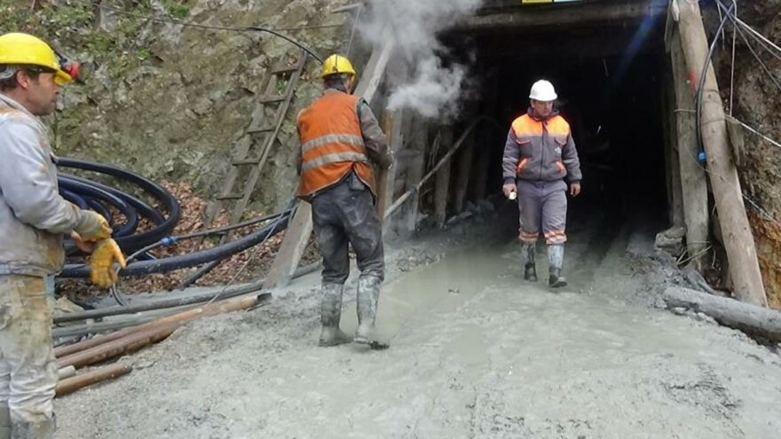 Göçük altında kalan madenciyi arama çalışmaları ikinci gününde de devam ediyor