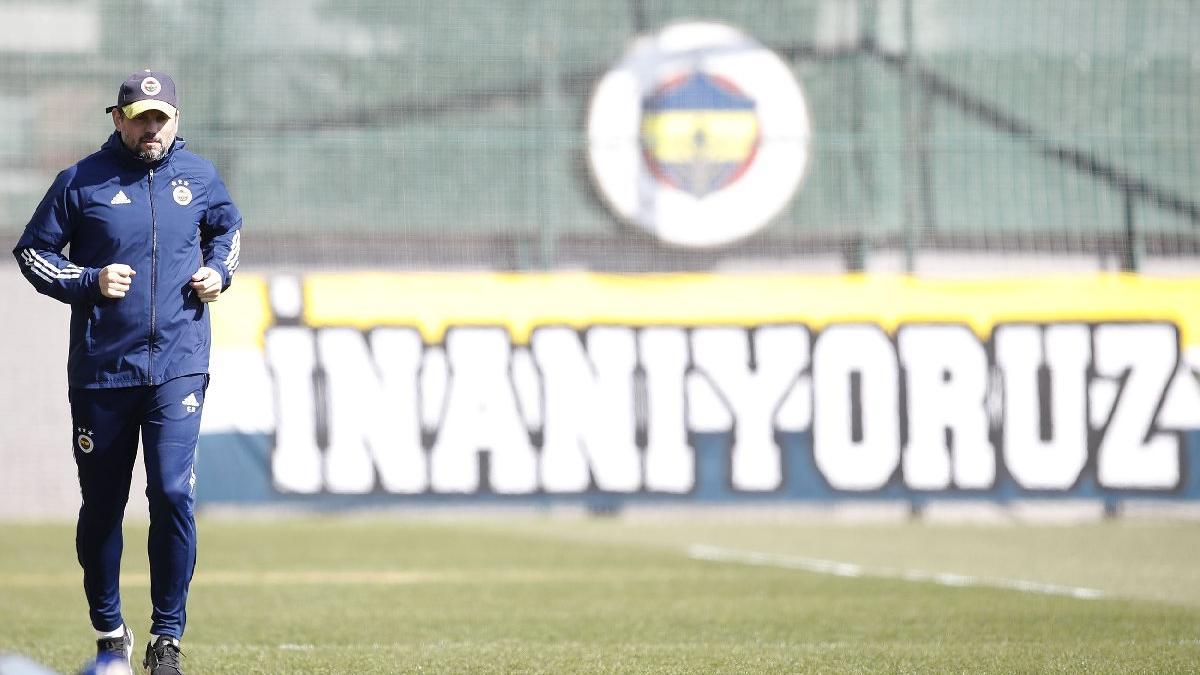 Fenerbahçe'nin hocası Erol Bulut'tan 25 yıl sonra ilk! Efsaneyi geçti...