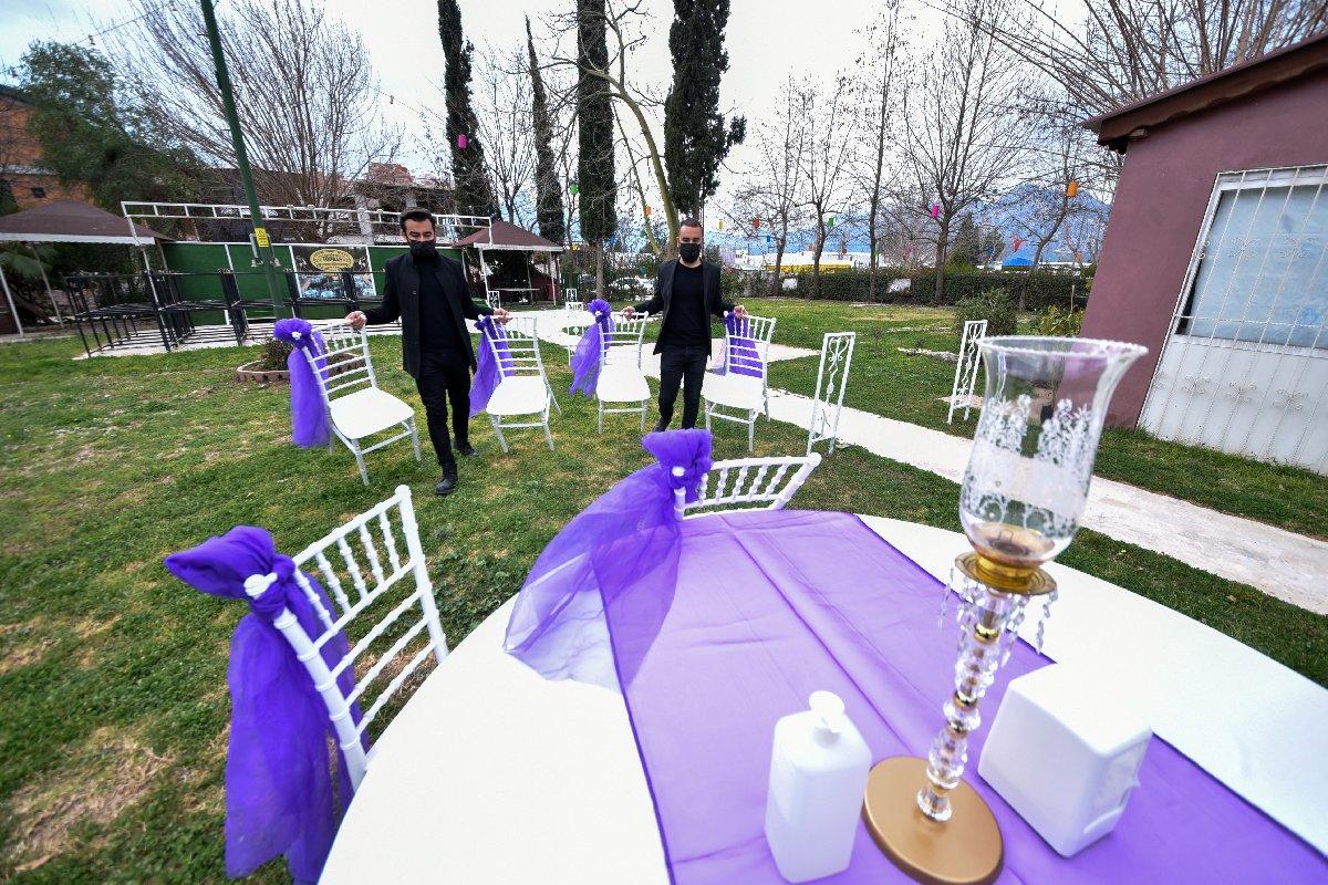 Bir saati yetersiz bulan çiftler düğünü erteliyor