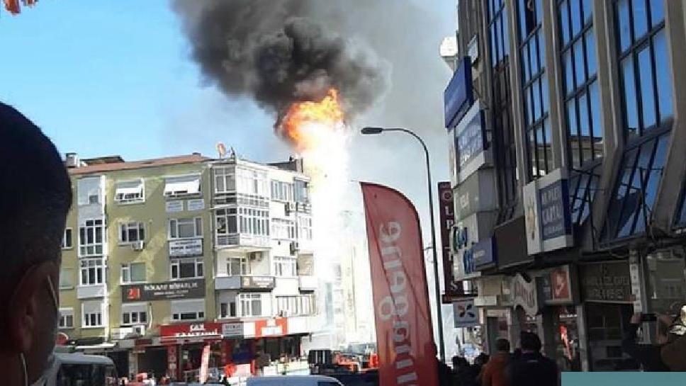 İstanbul'da 6 katlı dershanede yangın