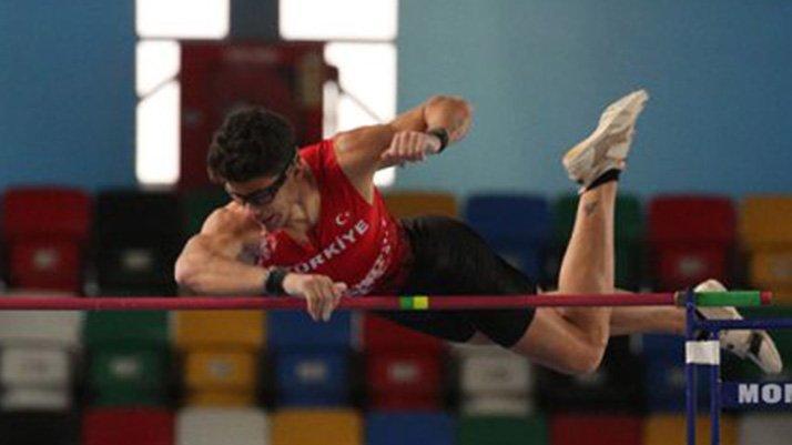 Son dakika | Türk atletizm tarihine geçti! Ersu Şaşma'dan muhteşem başarı...