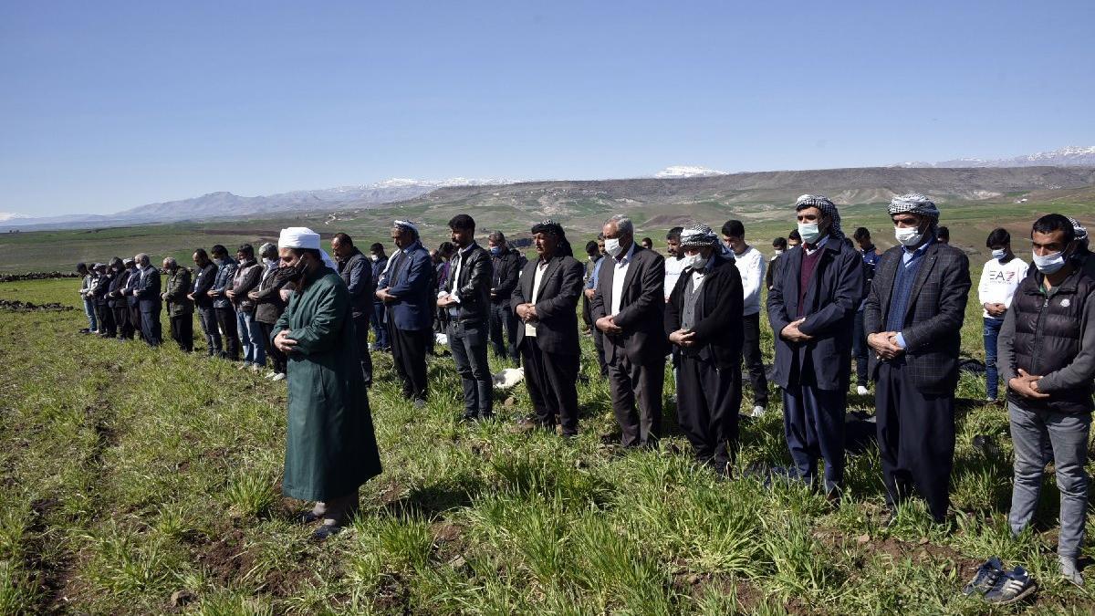 Çiftçiler, yağmur duasına çıktı