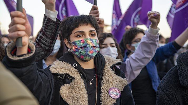DİSK-AR: Gerçek kadın işsizliği yüzde 43