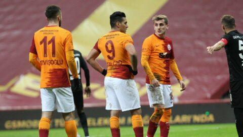 Galatasaray-Sivasspor maçında dört gol bir kırmızı kart
