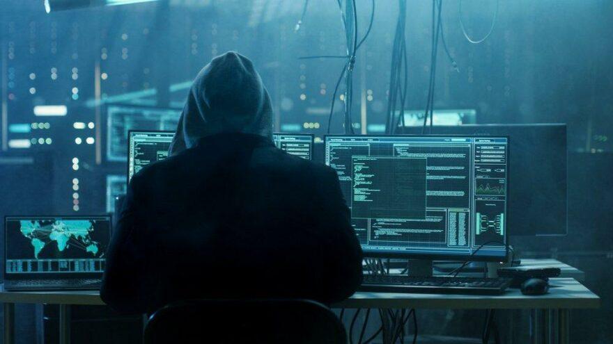Binlerce Microsoft kullanıcısının iş e-mailleri hacklendi