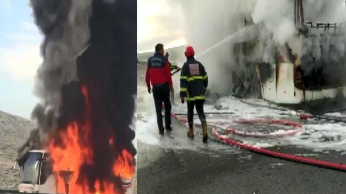 Hareket halindeyken alev alan yolcu otobüsü yandı