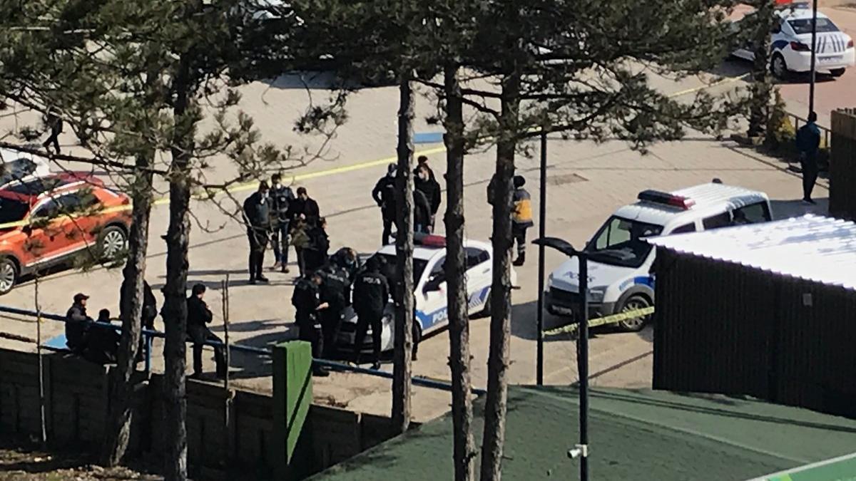Hayvanat bahçesinde silahlı kavga: 2 ölü, 1 yaralı
